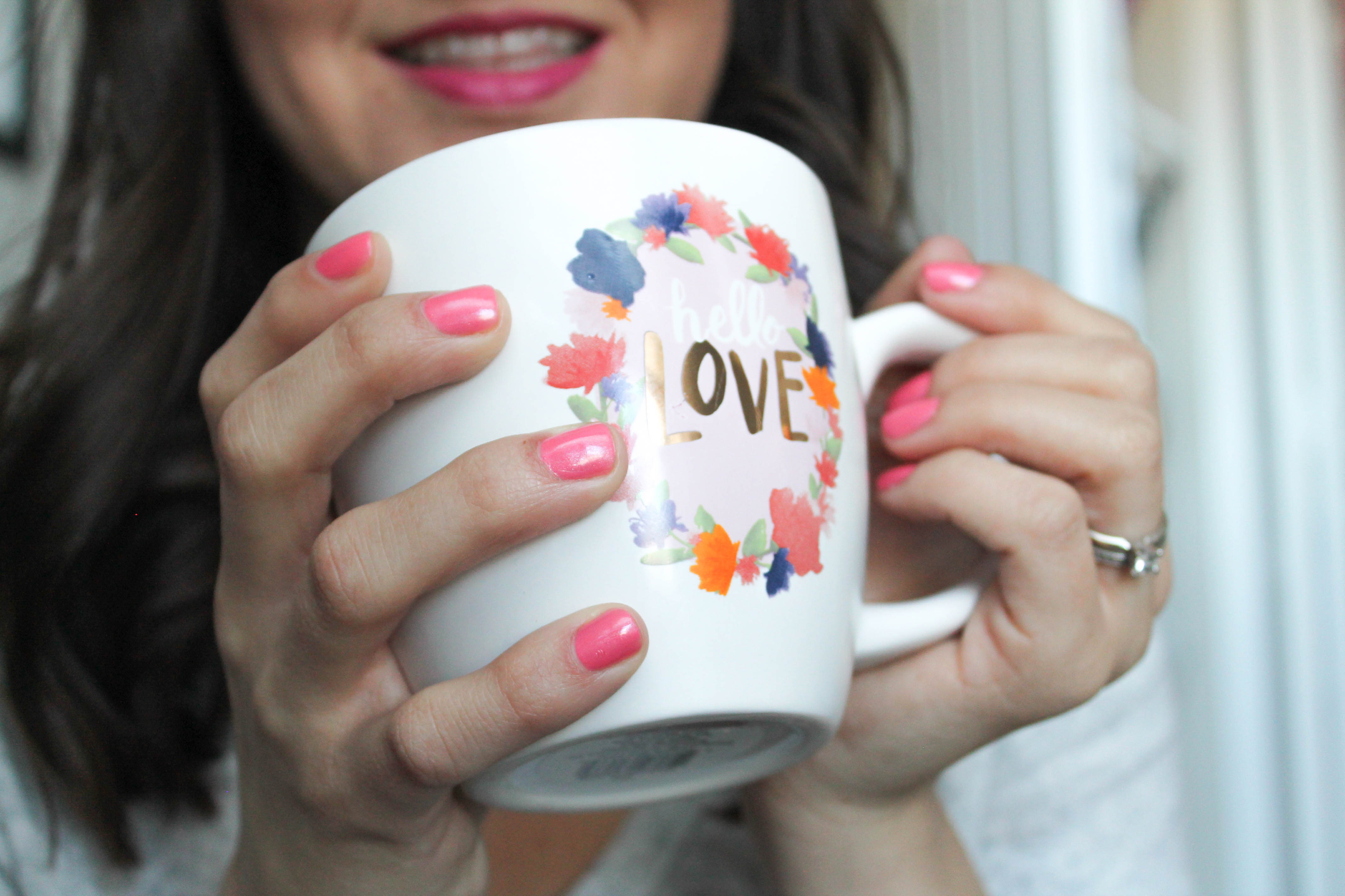 Coffee Catchup + Mani: Revlon Sublime Strawberry